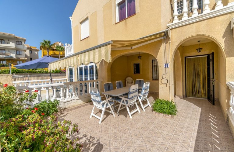 3140-Townhouse-in-Punta-Prima-for-sale-00[1]